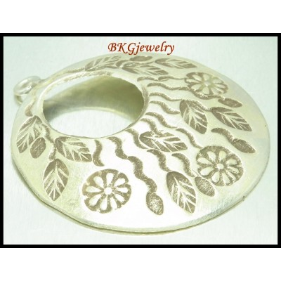 1x Jewelry Findings Flower Engrave Pendant Hill Tribe Silver [KP038]