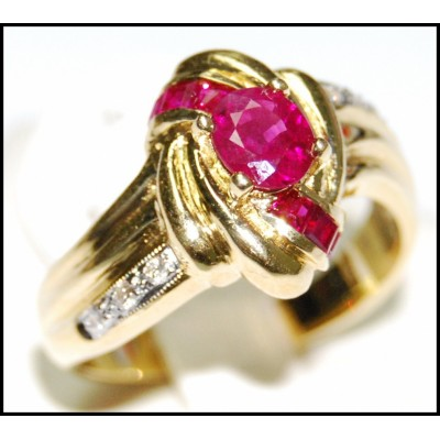 18K Yellow Gold Center Oval Ruby and Diamond Ring [R0070]